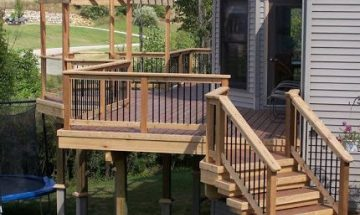 Ecolife deck with trellis and stairs